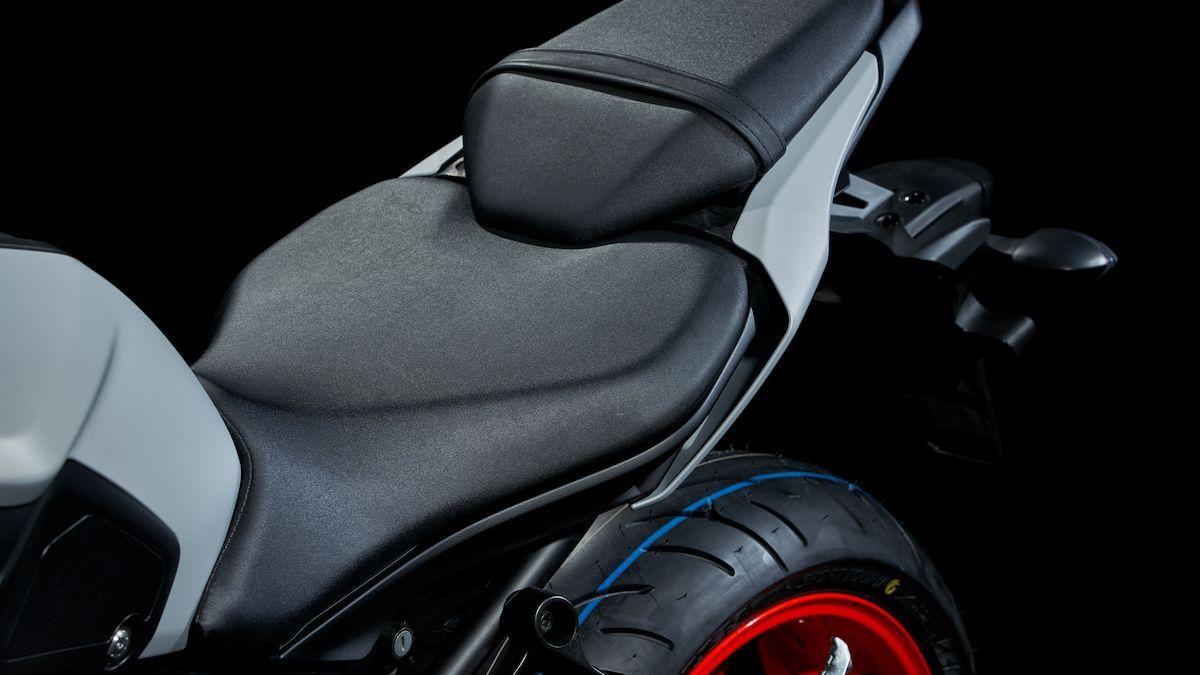 Yamaha MT-07 2019 position conduite