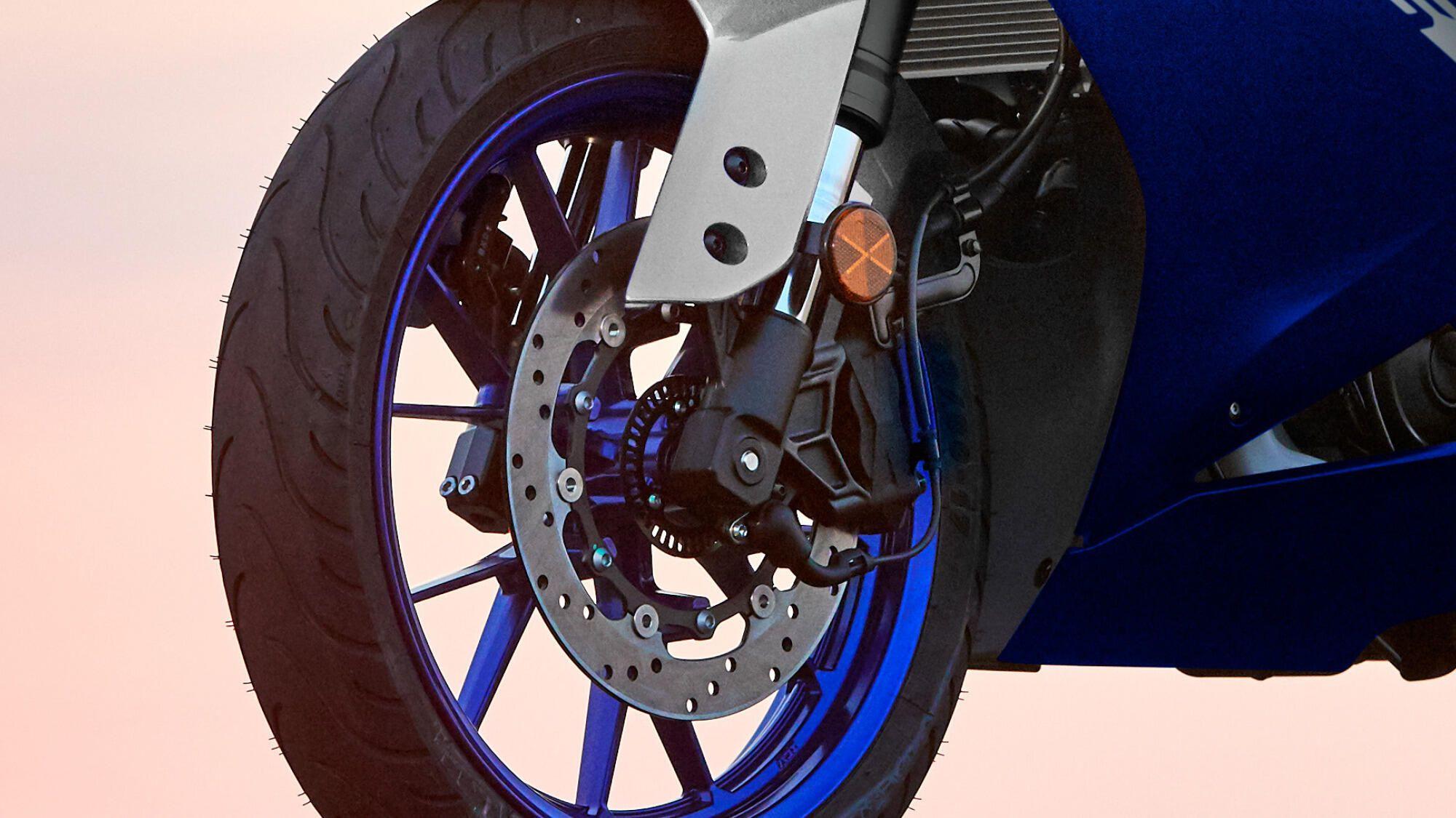 Yamaha 2021 YZF R125 sensation freinage