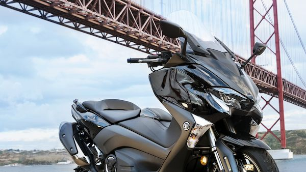 Yamaha 2018 TMAX conception spotive