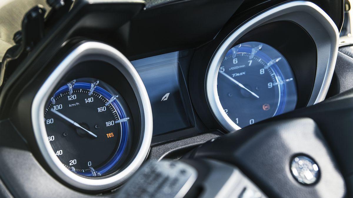 Yamaha 2019 TMAX SX Sport Edition contrôle traction