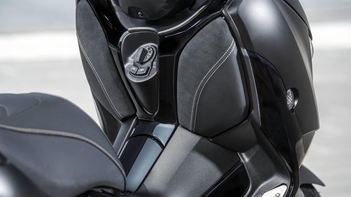 Yamaha 2019 XMAX 300 Iron Max smart key
